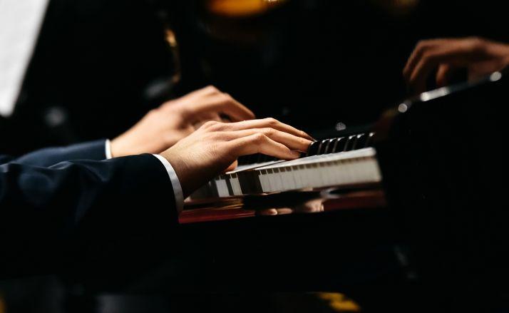 Foto 1 - Concierto de piano para la tarde del sábado en el Casino