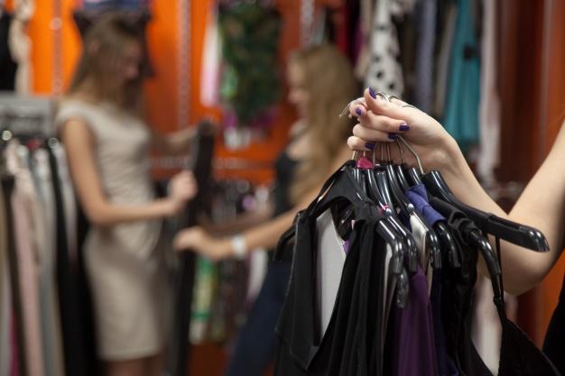 Los comercios textiles se han visto obligados a echar el cierre.