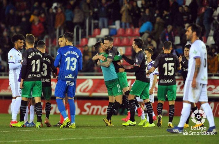 Un Numancia poco acertado deja escapar tres puntos en Los Pajaritos(1-2)