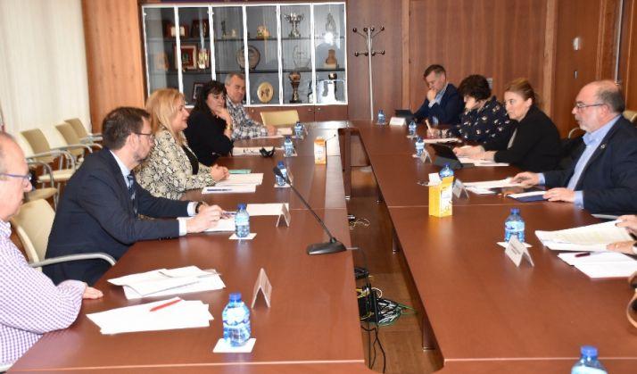 Reunión de representantes de las principales administraciones provinciales