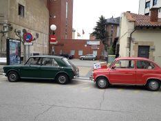 Foto 3 - Los coches antiguos también llevan EPIs al Santa Bárbara