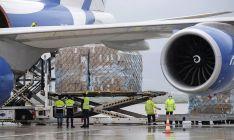 Una imagen de la descarga del cargamento hoy. /Jta.
