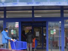 Foto 5 - Un día de cuarentena en un supermercado soriano