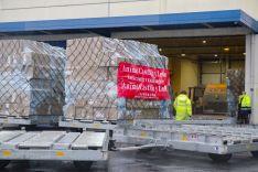 Foto 5 - CyL recibe el mayor cargamento de material de protección, 675 metros cúbicos, en un Boeing 747, procedente de Shanghai
