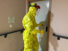 Foto 3 - Fotos: La UME desinfecta la residencia de Matamala de Almazán