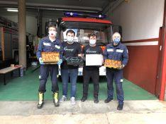 Foto 2 - Grumer reparte 1.300 torrijas a los sanitarios y fuerzas de seguridad