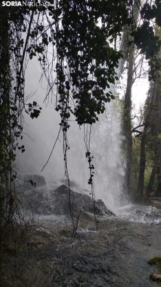 Foto 9 - Espectaculares imágenes de la cascada de La Toba