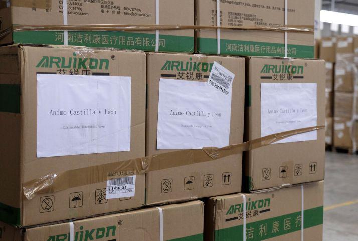 Llega un nuevo vuelo de China cargado de material sanitario para CyL