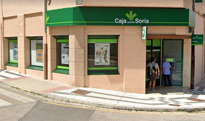 Una de las sucursales de la Caja Rural de Soria en la ciudad. /GM