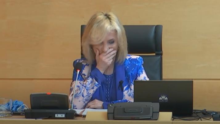 Casado se rompe al recordar a los sanitarios fallecidos en Castilla y León