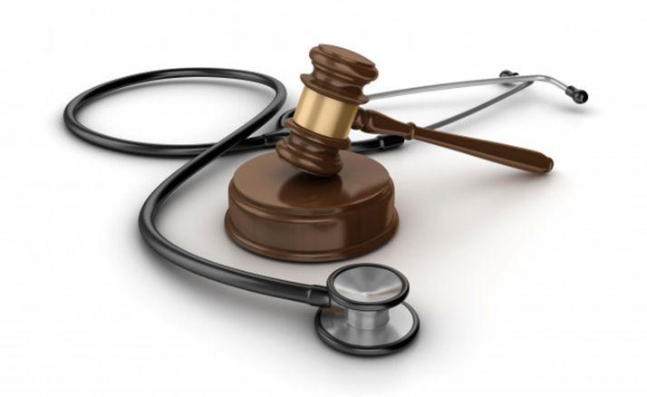Foto 1 - Un Juzgado de León revoca el alta hospitalaria de un paciente con ictus hasta que le asignen plaza en un centro especializado