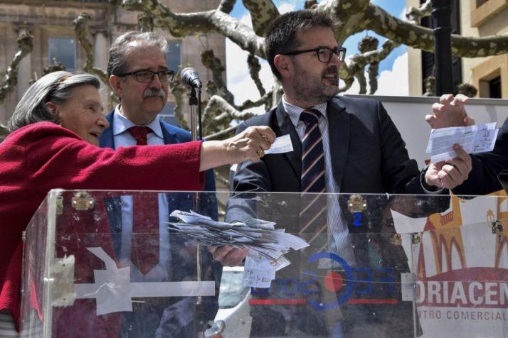 Imagen de archivo de un sorteo de final de la campaña.