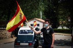Foto 2 - En imágenes : Un centenar de vehículos secunda en Soria la protesta de Vox contra Sánchez