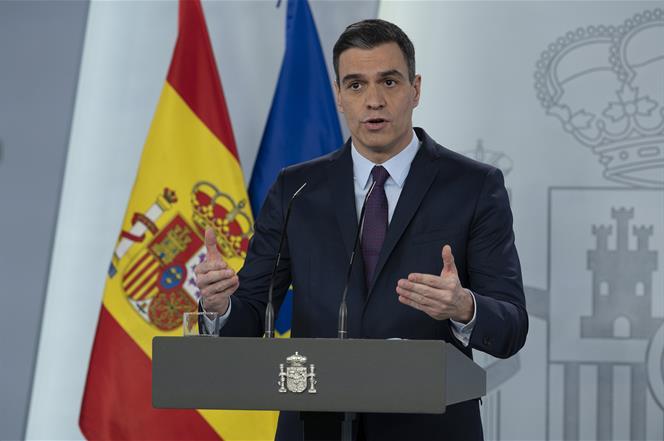 Foto 1 - Sánchez anuncia la vuelta del fútbol el 8 de junio y del turismo nacional el 22