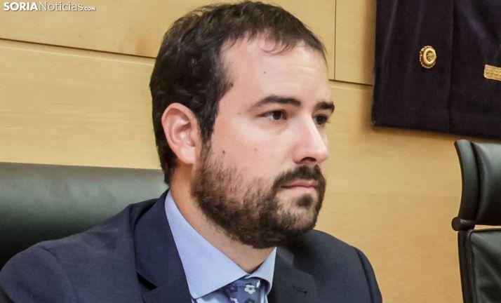 Ángel Hernández, en una comparecencia en las Cortes regionales. /SN