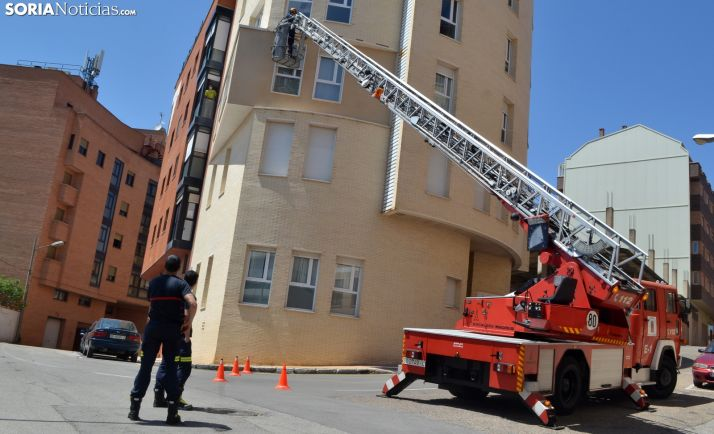 Una imagen de la actuación de los bomberos en la capital. /SN