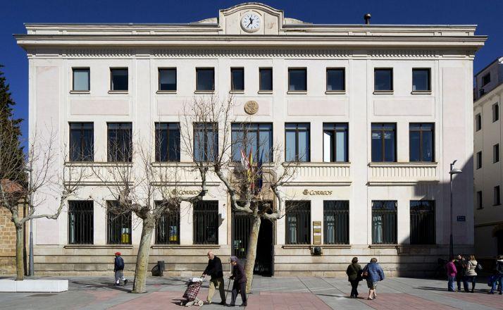 Foto 1 - Correos ya abre por la tarde en la capital