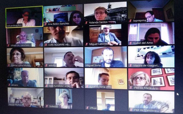 Integrantes del Consejo Municipal de Comercio durante la presentación por videoconferencia. /Ayto.