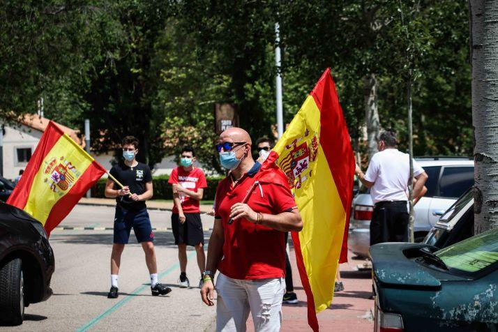 Foto 1 - En imágenes : Un centenar de vehículos secunda en Soria la protesta de Vox contra Sánchez