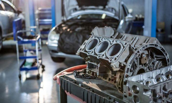 Imagen de un taller mecánico.