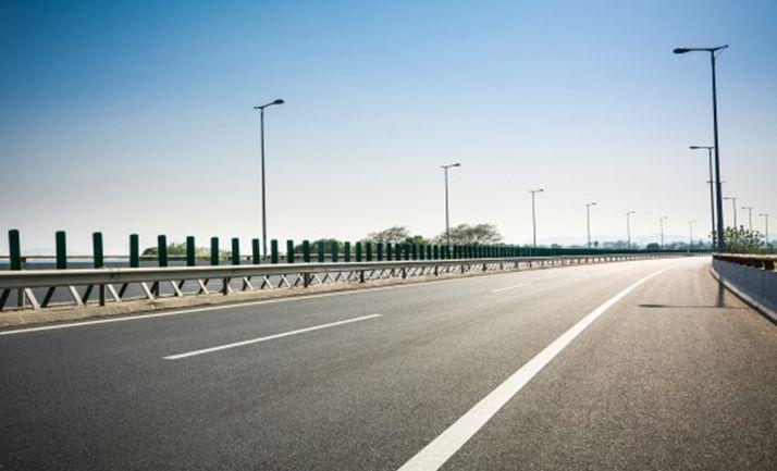 Foto 1 - La Junta pide al Gobierno apoyos específicos para el sector del transporte público de viajeros y para el de mercancías