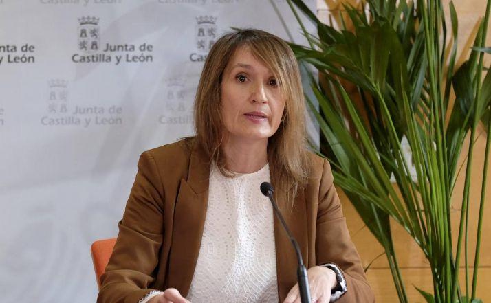 """Foto 1 - La Junta ve """"complejo, complicado, inviable"""" alternar educación online y presencial en el próximo curso"""
