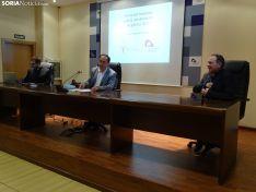 Firma del convenio entre la Diputación y el Obispado.