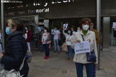 Una imagen de la concentración de este sábado en la sede de la Junta en Soria. /SN