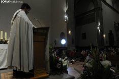 Una imagen del Rosario de cristal en la noche de este viernes. /Nacho Grijalbo