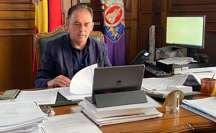 Benito Serrano, en su despacho en el Palacio Provincial.
