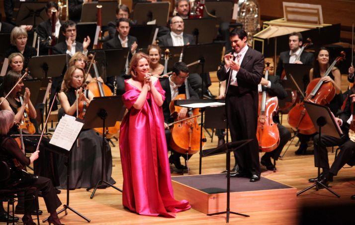 La soprano norteamericana Renée Fleming en una actuación.