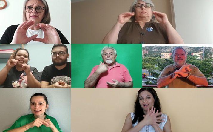 Distintas personas sordas en sus vídeos.