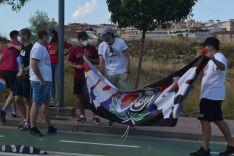 Foto 4 - FOTOS: La afición y la ilusión inundan la entrada al estadio