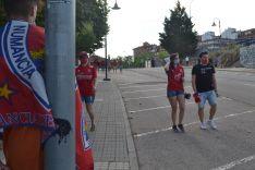 Foto 6 - FOTOS: La afición y la ilusión inundan la entrada al estadio