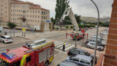 Fotos: El viento se lleva la cabeza de un semáforo en Soria