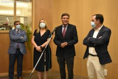 Carlos Fernández Carriedo durante su atención a los medios.