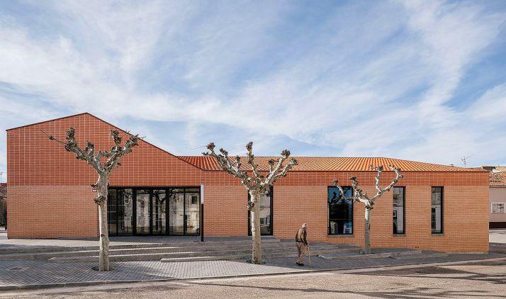 Foto 1 - El centro social de Noviercas, finalista de los Premios FAD Arquitectura 2020