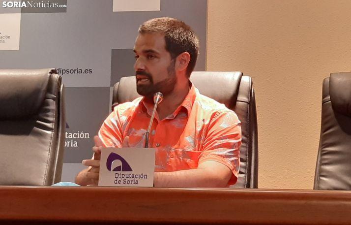 Bhishma Hernández presenta su proyecto en la Diputación Provincial