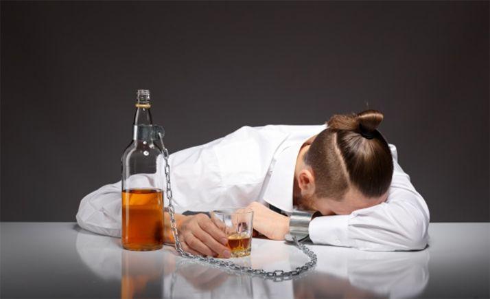 Foto 1 - El Ayuntamiento incluye programas familiares y para profesionales para prevenir el consumo de alcohol