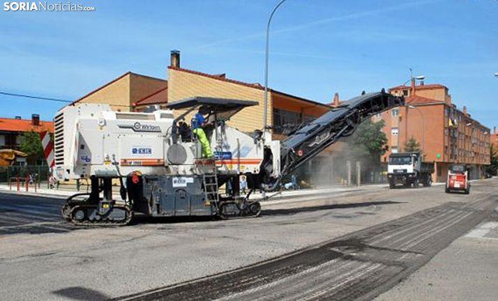 Labores de asfaltado en la capital en una imagen de archivo. /SN
