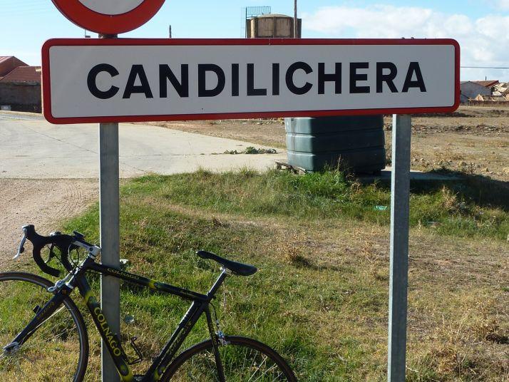 Foto 1 - Arde hectárea y media Candilichera
