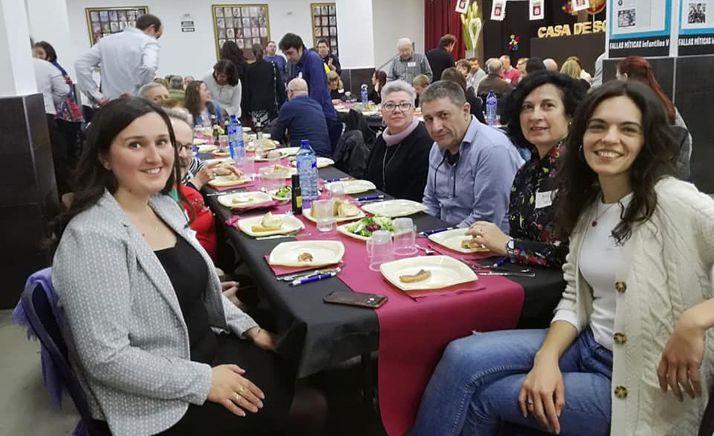 Miembros de la Casa de Soria en Valencia en su sede. /CSV
