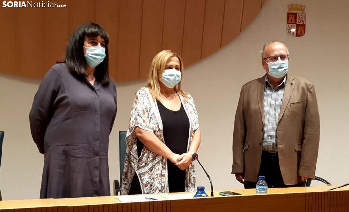 Elena del Vado, Yolanda de Gregorio y Enrique Delgado este miércoles en rueda de prensa. /SN