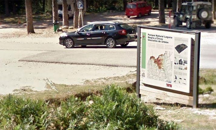 Foto 1 - Abiertos los accesos al aparcamiento de la Laguna Negra