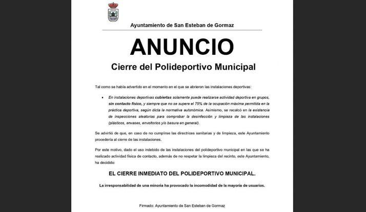 El aviso municipal del cierre.