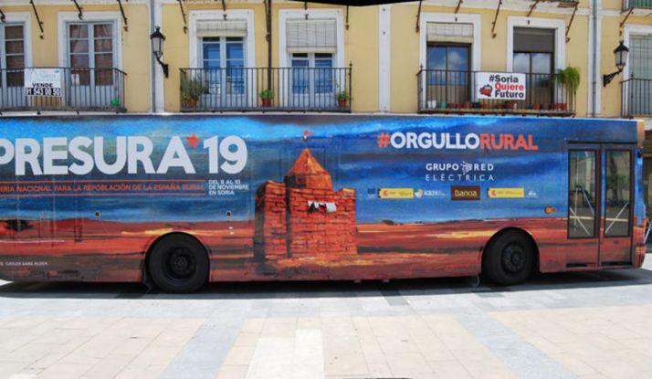 El autocar durante la gira de año pasado.