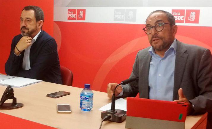 Luis Rey (dcha.) y Javier Muñoz, esta tarde en rueda de prensa.