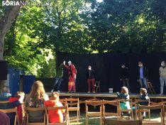 Foto 4 - GALERÍA: Teatro de calle en la Dehesa