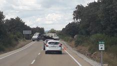 Foto 2 - Accidente de tráfico por un ciervo en Rebollar