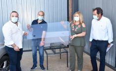 La Junta entrega mamparas anticontagio a los 83 taxistas de Soria